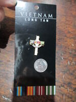 Australian Vietnam Long Tan Cross Badge Lapel Pin all metal enamelled