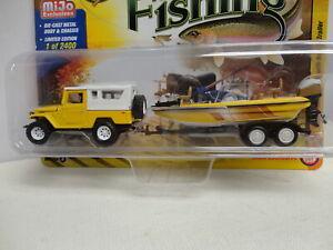 Johnny Lightning 1980 TOYOTA LAND CRUISER Yellow '80 w/BOAT/TRAILER Gone Fishing