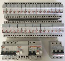 Lot disjoncteurs et coupes circuit LEGRAND / MERLIN GERIN