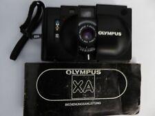 Analoge Kleinbildkamera Olympus XA mit Blitzgerät A 11