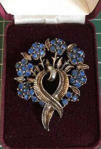 Vintage Jewellery Beautiful Blue Rhinestone Flower Brooch In Gold Tone