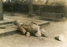 Rennes, La statue de Du Guesclin vandalisée par les autonomistes  Vintage silver