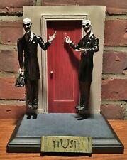 Buffy the Vampire Slayer Hush Gentlemen Diorama Statue Diamond Select toy figure