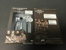 DUCK DYNASTY EARBUDS/HEADPHONE WITH INLINE MIC HAS 2 EAR TIPS SILVER 10333