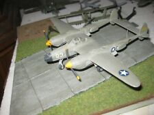 P-38 LIGHTNING  GEBAUT+BEMALT  1/72