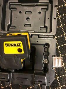 Dewalt DW084 Self Leveling Beam Red Laser Level W/ Case