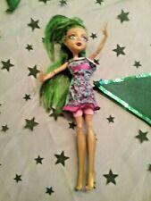 Monster High Puppe Jinafire Long