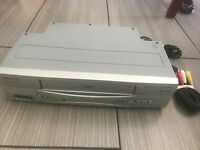 Magnavox CMWV405 Video Cassette Recorder VCR/VHS player NO Remote w/Tested