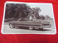 1961 CADILLAC CONVERTIBLE   BIG  11 X 17  PHOTO   PICTURE