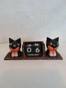 Wooden perpetual calendar, cat motif, two cats, natural colour, decorative,