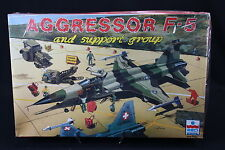 YA013 ESCI 1/48 maquette avion 4079 Aggressor F-5 and support group staff piste