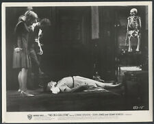 Two On A Guillotine '65 CONNIE STEVENS DEAN JONES CONNIE GILCHRIST SKELETON