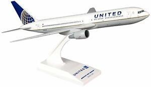Daron Skymarks United 767-300 1/200 New Livery Model Aircraft