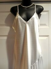 Amaretta- White w/Pink Polka Dots Polyester/Satin Nightgown Gowns M EX