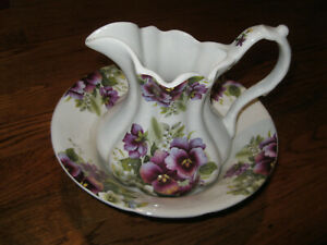 England Crownford Giftware Corp violets pansies pitcher and matching bowl set