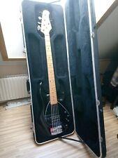 Musicman stingray 5 in schwarz