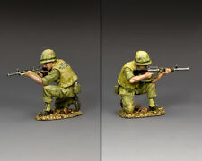 KING & COUNTRY VIETNAM WAR VN038 U.S. MARINE RIFLEMAN KNEELING FIRING M16 MIB