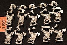 WARHAMMER Orcs e Goblins NERO ORCS REGGIMENTO X10 due mano weaps METAL MINT NUOVA