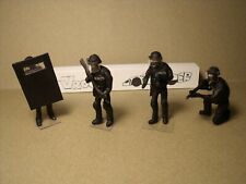 4 FIGURINES 1/43  GENDARMERIE  SET 454  LE  GIGN  VROOM  NON  PEINT  FOR  NOREV