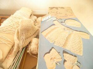 Box of vintage crochet/knitting items/threads