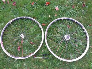 American Classic Sprint 350 clincher wheelset