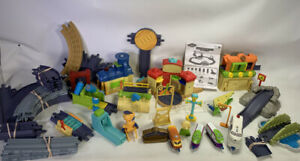 CHUGGINGTON Die Cast Action Chugger Adventure Deluxe Playset & Assorted East Sta