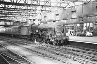 PHOTO BR British Railways Steam Locomotive Class Patriot 45517 at Carlisle 1960