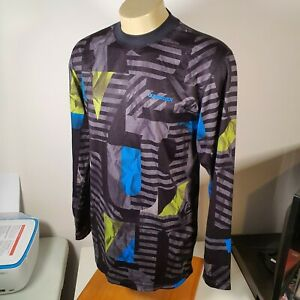 Quiksilver Utility Collection Quiktech Layering Undershirt Base Layer Size L