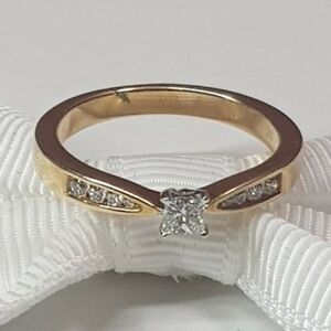 Valuation$1250 Genuine MHJ Diamond ring 10K Yellow Gold