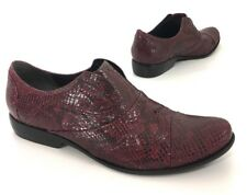 Pour La Victoire Womens Laceless Oxfords Shoes Maroon Snake Print Leather Sz 7.5