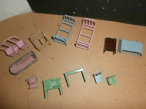 Vntg Tootsietoy Metal Doll House Beds Tub Toilet Chair Stove Table Furniture Lot