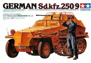 HANOMAG/DEMAG SD.KFZ 250/9 WITH CREW (GERMAN WEHRMACHT MKGS) #35115 1/35 TAMIYA