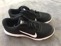 New Nike Air max Advantage [GS] Black  884524 002  Boy youth size 6.5Y US UK 6