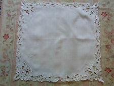 N12 ANCIEN MOUCHOIR lin brodé Richelieu  Old linen embroidered handkerchief