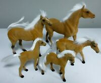 FLOCKED PLASTIC TOY HORSES / LOT OF 5 VARIOUS SIZES / 5 - 8 INCHES TALL