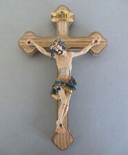 Wandkreuz; Kreuz Balken aus Holz, Corpus aus Polystone ca. 18 cm hoch WN-018
