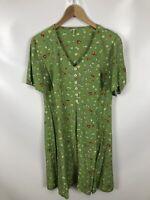 Schickes grünes Kleid mit Blumen, Größe 40, leicht, sommerlich, luftig