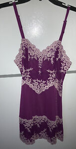 NEW WACOAL CHEMISE  SLIP MED. EMBRACE LACE  PURPLE/LILAC *814191 NEW