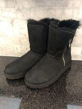Women's UGG Bailey Zip Short Black  Boots- size 9- #1112480