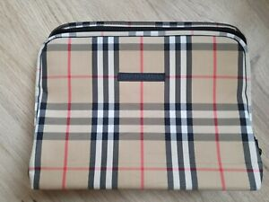 Burberry Golf Universal Stationary Tablet Ipad zip case holder no strap included