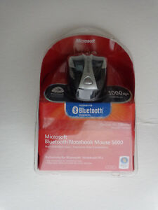 Microsoft Bluetooth Notebook Mouse 5000 - Black For Windows & Mac