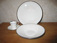 MIKASA *NEW* DECO PLATINUM Set 2 assiettes + 1 tasse/souc. Set 2 plates + cup