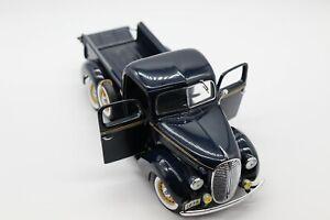 1:24 Danbury Mint 1938 Ford Pick-Up Diecast Car