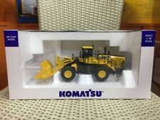 Universal Hobbies UH8127 Komatsu WA 600-8 Wheel Loader 1/50 Scale Die-Cast Model