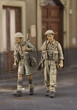 1/35 Scale Resin Model Figures Kit WW2 British Soldiers (2 Figures)