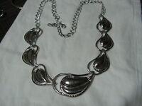 ...TULESTE...Silver Tone Graduated Leaf Panels Necklace...