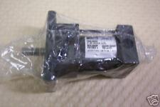 PARKER 01.00USUS160.750 PNEUMATIC CYLINDER 200 PSI NEW IN PACKAGE