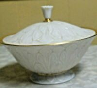 Beautiful Lenox Footed Covered 24K  Gold Trim Candy Dish New Condition