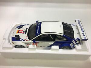 BMW M3 GTR ALMS Petit LM 2001 D.MUELLER- J.MUELLER MINICHAMPS 100012143 1/18