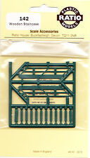 Ratio 142 Wooden Staircase Signal Box 12 Tread Green '00' Gauge Plastic Kit 1st